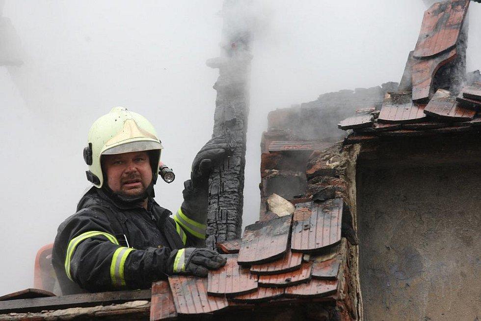 Požár domu v obci Razice u Bíliny