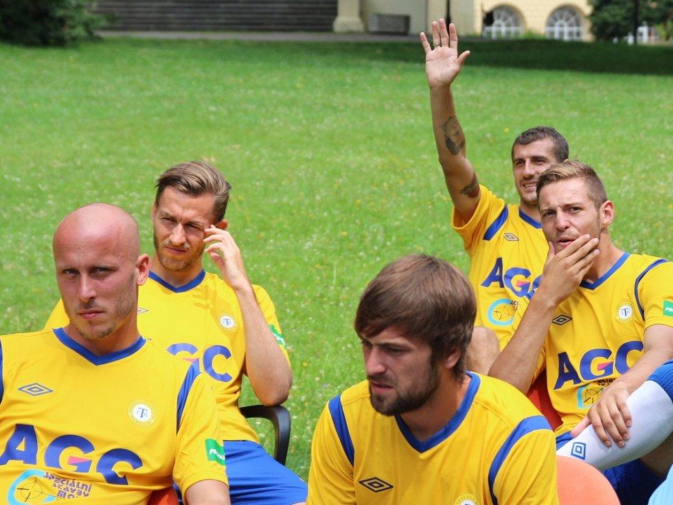 Focení FK Teplice v Zámecké zahradě
