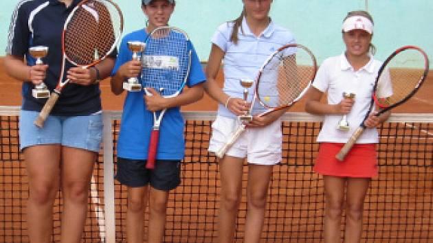 Mladí tenisté