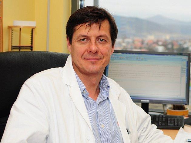 Profesor a primář neurologické kliniky ústecké Masarykovy nemocnice Martin Sameš.