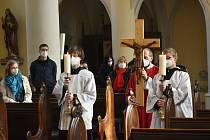 V kostele sv. Alžběty si věřící připomněli Kristovo zmrtvýchvstání.
