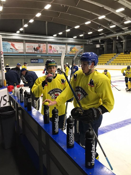 Hokejisté Ústí trénují v Teplicích.