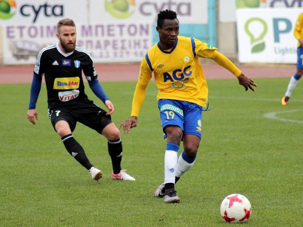 Daniel Soungole v přátelském utkání Teplic s Plockem