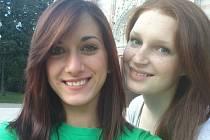 Meri, studentku z Itálie, od loňska hostí Szaboovi z Dubí. Rychle se stala součástí rodiny a dcera Bára si pochvaluje, že jí to pomohlo se rozmluvit, nestydí se mluvit anglicky.