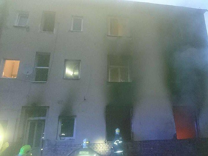 V Dubí zasahovali také dobrovolní hasiči z Proboštova.