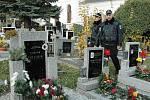 Strážníci hlídají na hřbitově