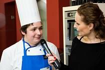 Za účast ve finále soutěže dostal student Hotelové školy diplom