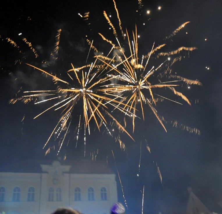 Rozsvícení vánočního stromu na Mírovém náměstí v Bílině