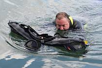 Potápěči uklízeli dno zatopené Barbory