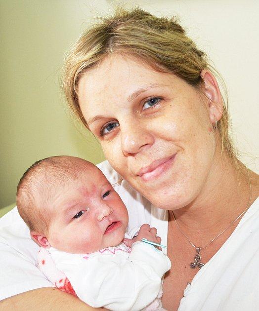 Mamince  Michaele Živné z Teplic se 3. srpna ve  12.45 hod. v teplické porodnici narodila dcera Anna Živná. Měřila  52 cm a vážila 3,90 kg.