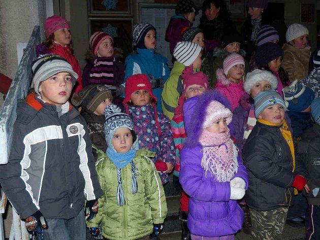 Rozsvícení stromečku, výstava a vánoční jarmark v Klenčí.