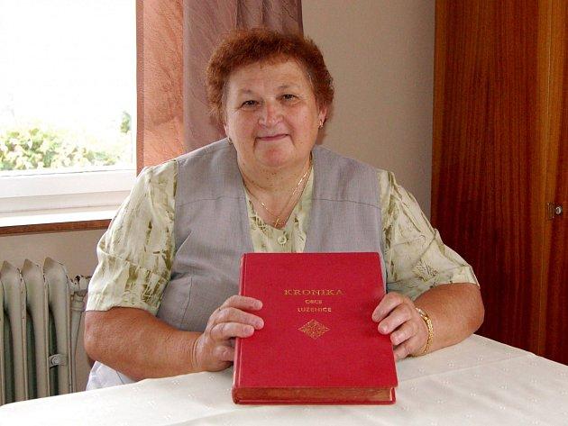 Anna Machová z Luženiček.