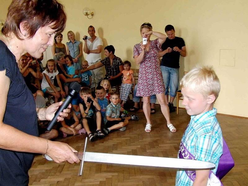 Z besídky v trhanovském zámku a pasování předškoláků na školáky.
