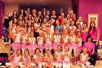 Družstva sportovně taneční skupiny Aerobic dance Domažlice Ivany Kozinové v Chebu.