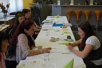 Maturitní zkoušku úspěšně složila i kosmetička Martina Krumlová.