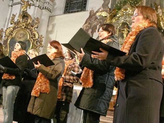 Ženský pěvecký sbor Canzonetta čeká ještě jeden vánoční koncert