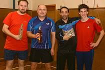 TURNAJ V POBĚŽOVICÍCH. Vítězové registrovaných, zleva Pavel Pošar, Jan Michal, Roman Novotný a Marek Vyskočil.
