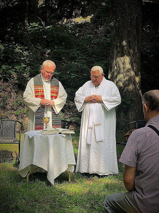 Po 141 letech se opět u domažlické štoly Škarmaň konala bohoslužba, kterou sloužil farář Miroslaw Gierga. Iniciátory akce byli členové spolku Domažlický dějepis.