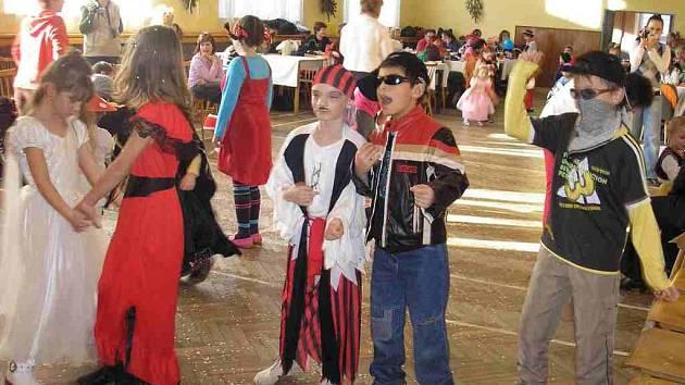 Z maškarního karnevalu v Koutě.