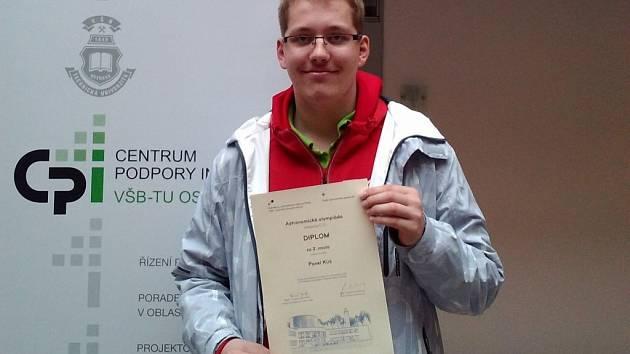 Pavel Kůs, reprezentant Gymnázia J. Š. Baara v astronomické olympiádě.