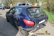 Úterní dopravní nehoda na hlavním tahu ze Kdyně na Domažlice u obce Kout na Šumavě.