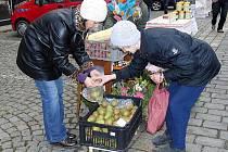 Z Farmářských trhů v Domažlicích v sobotu 22. října 2011.