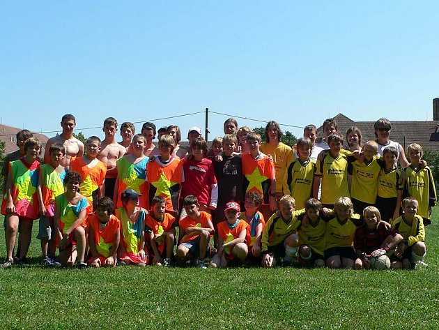 Skauti z belgického Maarkedalu si zahráli fotbal se staršími žáky z horšovskotýnské TJ Dynamo
