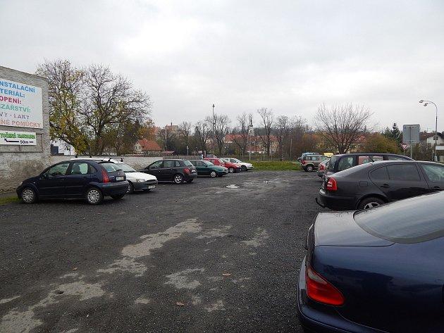 Nová služebna Policie ČR  vyroste na  pozemku vedle prodejny COOP u hlavní silnice protínající Horšovský Týn.