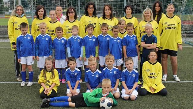 Na domažlické Střelnici se u příležitosti závěru sezony konalo tradiční Fotbalové odpoledne s rodiči.