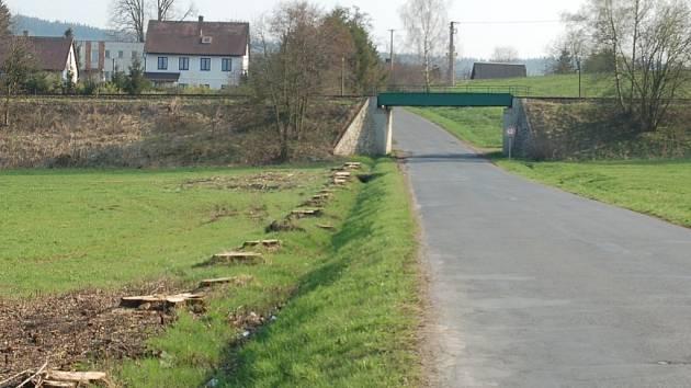Prohloubení silnice pod železničním podjezdem pustí do Kouta na Šumavě autobusy i kamiony