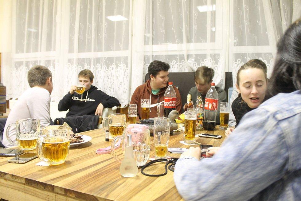 Víkend ovládly masopusty. Fotografie z Nevolic, Podzámčí a Spáňova.