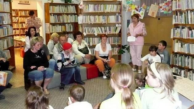 Literární pásmo a divadelní představení v horšovskotýnské knihovně