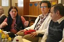 V  koutském zámku se setkali zástupci tělesně postižených, aby si předávali zkušenosti, dávali podněty a diskutovali o problematice hadicapovaných. Mluvilo se i o přestavbě koutského zámku.