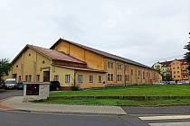 Bývalý posádkový dům armády v Petrovické ulici (na snímku) půjde k zemi. Namísto něj bude stát Lidl.