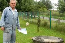 Jan Bozděch ze Zahořan si kvůli špatné kvalitě vody musel koupit úpravnu za třiačtyřicet tisíc korun.