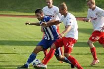 Fotbalisté Jiskry Domažlice s FK Pardubice.