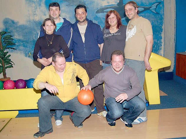 BC Space Pigs: kouč Sergej, Pavel Škanta, Věra Penzešová, Josef Dufek, Josef Mišenčík, Jana Knížová a Pavel Mišenčík. za tým občas nastoupil i Radek Pelikán.