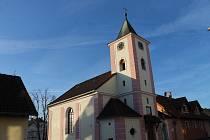 Kostel svatého Václava v Újezdu.