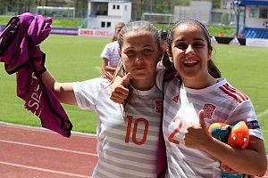 Mladé Španělky porazily v semifinále Mistrovství Evropy v Domažlicích Holanďanky 2:0 a jsou ve finále.