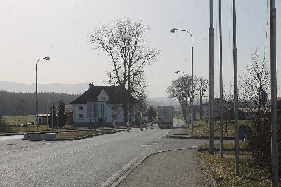 Vedení Všerub nabídlo německým policistům zázemí v prostorách bývalé celnice.