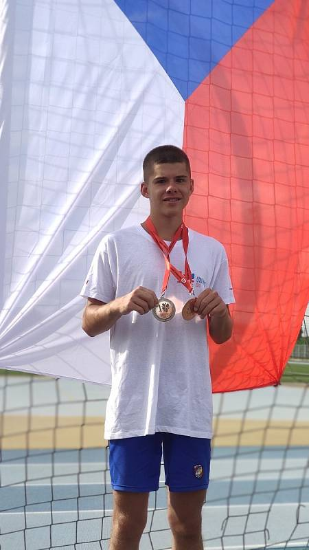 Alžběta Suchá z Domažlic a Michal Knopp z Horšovského Týna se blýskli na 10. Evropských hrách handicapované mládeže do 26 let.