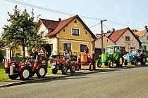Traktory v Postřekově.
