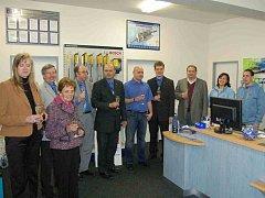 Otevření nové prodejny se zúčastnili zástupci z vedení APM Automotive i mateřské firmy Markmiller z Deggendorfu.
