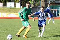Z utkání třetiligové Jiskry Domažlice s 1. FC Karlovy Vary.