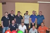 Boulaři jsou sice nováčky Kdyňské bowlingové ligy, ale vznikli na základech týmů na snímku Obalovna a Klikaři, kteří po minulé sezoně ukončili činnost.