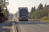 Těžké kamiony trápí obyvatele Prapořišť.