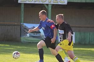 Dynamo Bukovec (v modrém) bude v sezoně 2020/21 staronovým účastníkem fotbalové okresní soutěže III. třídy.