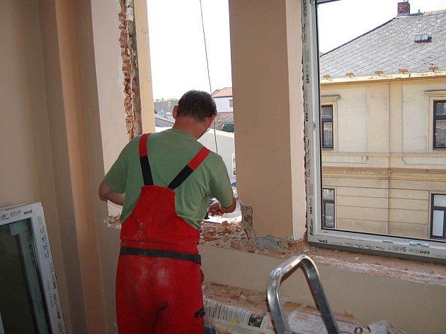 Výměna oken v Domažlicích.