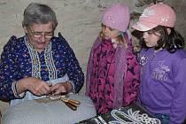 Program pro děti z družin v klenečské Staré poště před Velikonoci začínal návštěvou kostela sv. Martina.