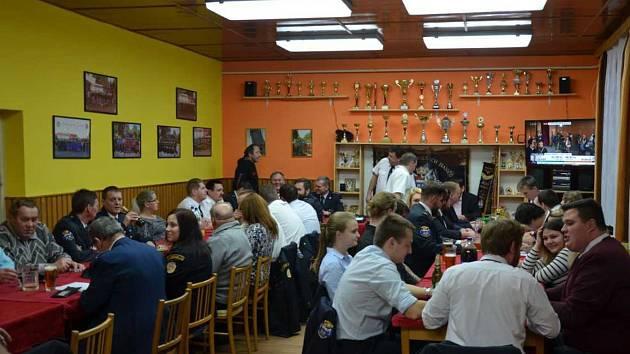Hasičská zbrojnice v Horšovském Týně byla dějištěm výroční valné hromady  Sboru dobrovolných hasičů.